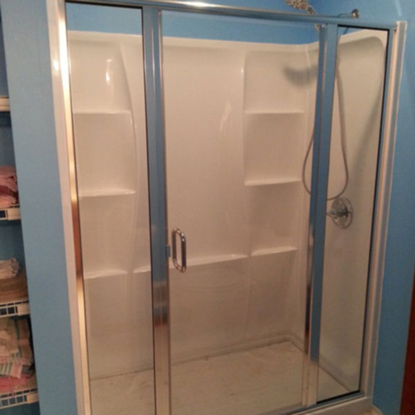 Semi-Frameless Swing Shower Door